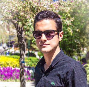 هاتف حسینی