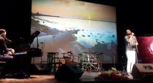امیرعباس گلاب بریم دریا اجرای زنده1