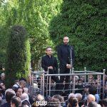 حامی و بابک صحرایی در مراسم تشییع ناصر چشم آذر